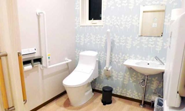 清潔感あふれるトイレルーム